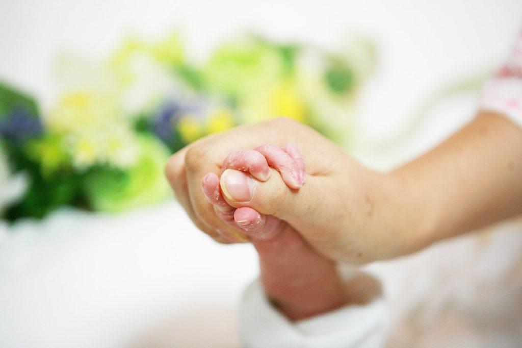 Aide à domicile après accouchement
